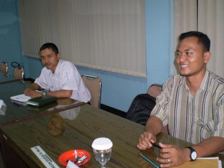 Kiri : Bambang Setiabudi dari PT Patra Jasa and Pratondo Yudi Praktikno dari PT Suryaraya